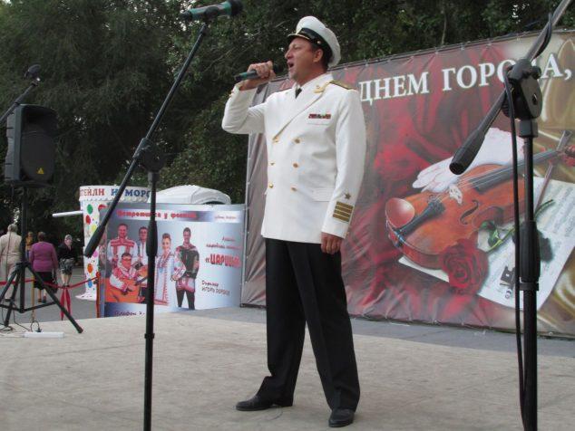 Солист Музыкального театра Леонид Маркин