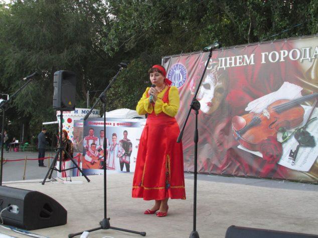 Хоровой дирижер из города Волжского Наталья Копейкина