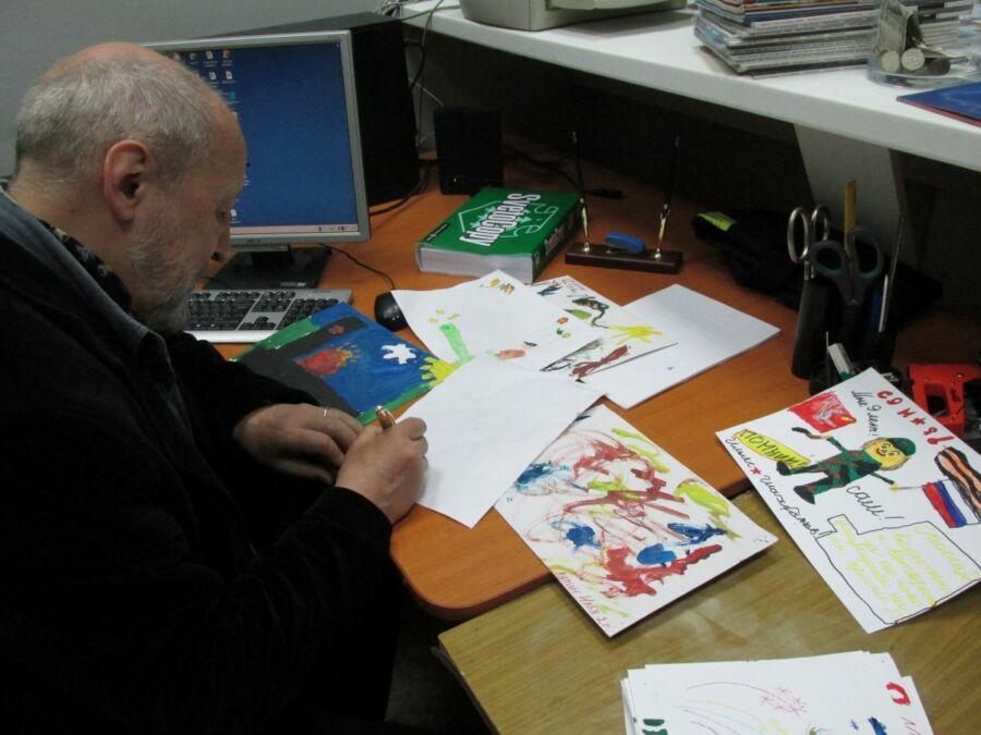 Владислав Коваль подписывает лучшие работы