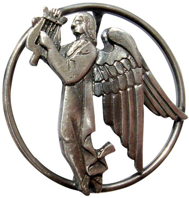 Серебряный знак покровителя искусств