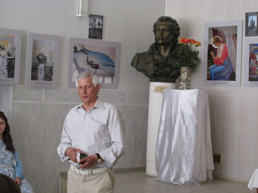 Владимир Овчинцев