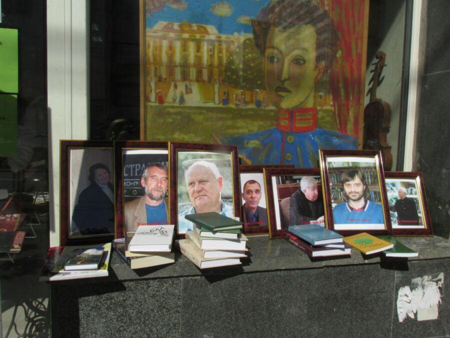В Пушкинский день России в Волгограде стихи читали поэты, меценаты и депутаты