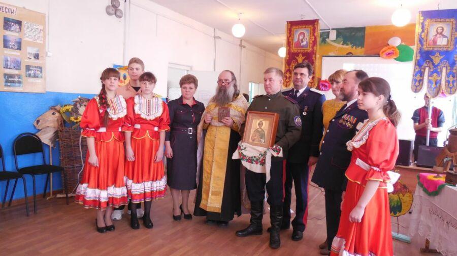 Беляева Дарья, 27 лет, г. Новоаннинский. С верой и надеждой