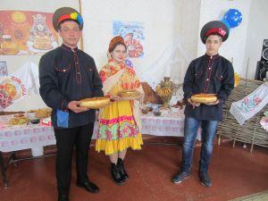 Капучак Виктория, 17 лет, ст. НИжний Чир Суровикинского района. Как на масленой неделе