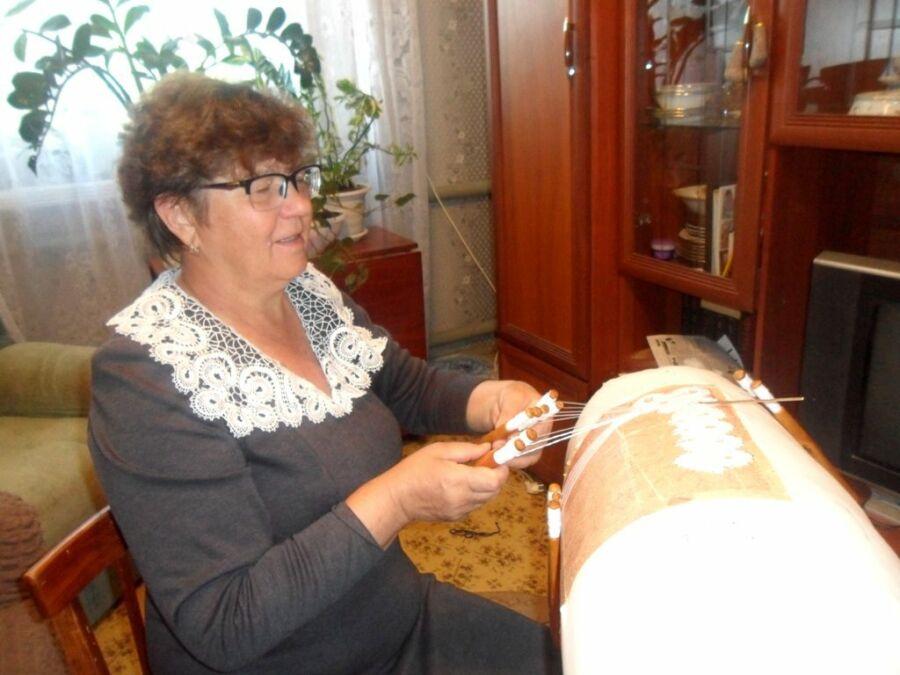 Юдина Марина, 57 лет, р.п. Средняя Ахтуба. Вологодская кружевница из Средней Ахтубы